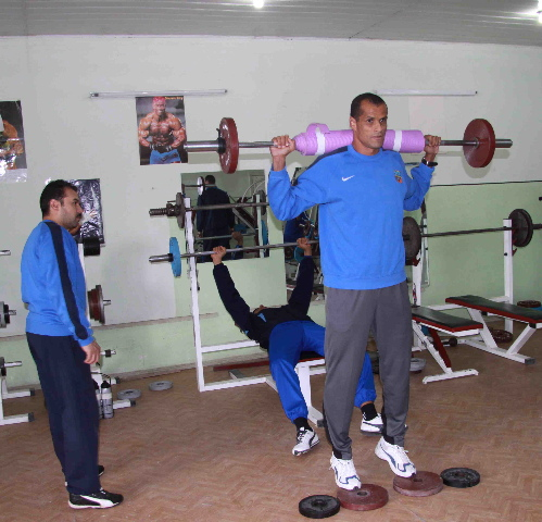 rivaldo works out in bunyodkor's squalid weight room